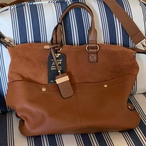 Moda Lux. Mixed material satchel